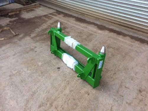 Agriculture/Farming A Set of Matbro John Deere Style Pin and Cone Weld on Brackets
